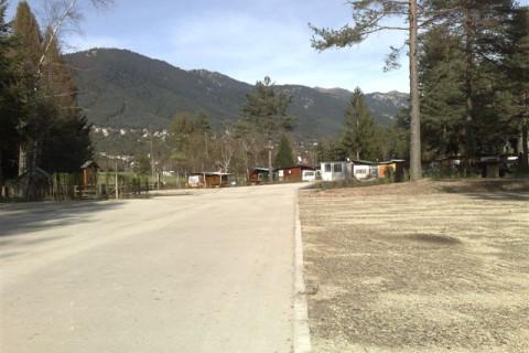 Area di manovra parcheggio camper in terreno stabilizzato